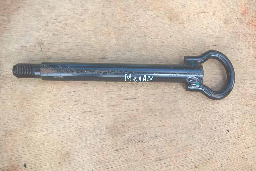 Крюк буксировочний Рено Меган 2 Буксировочний гак