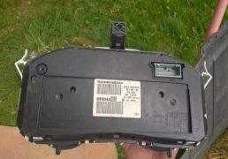 Панель-приладів-Renault-Megane-2-2005