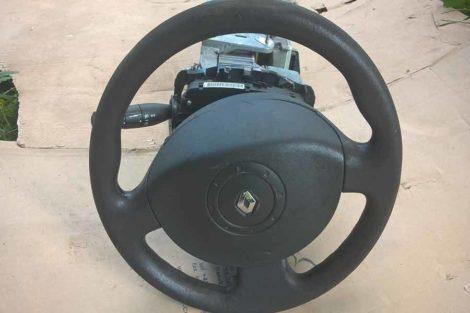 Подушка-безпеки-в-руль-Renault-Megane-2005