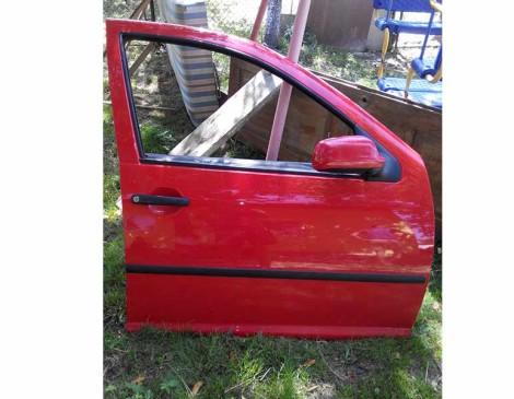 Дверка-передня-права-VW-Golf-4-2003