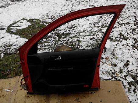 Дверка передня права VW Golf 4 2003