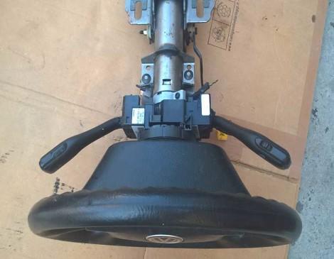 Гольф-4-2003-руль,--350-грн,-подушка-в-рулю