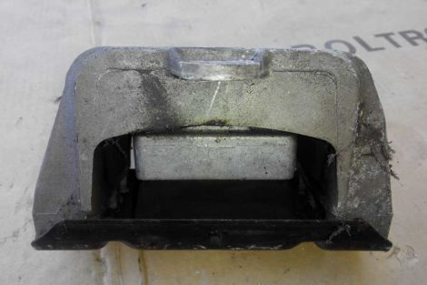 Ліва-моторна-подушка-Фольцваген-Гольф-4-1.4-2003