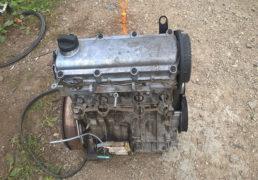 Двигун-Фольцваген-Гольф-4-1.6