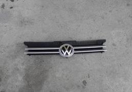 Передня-решітка-VW-Golf-IV