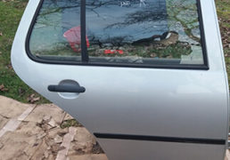 Дверка задня права VW Golf 4, сірий колір.