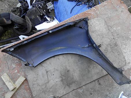 Крило переднє праве Renault Megane 2 чорний колір