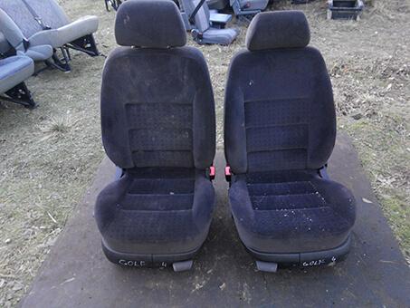 Сидіння передні Фольцваген Гольф 4