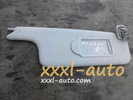Козирок сонцезахисний правий Renault Megane 8200246819